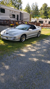 2000 Pontiac Trans Am Coupe (2 door)