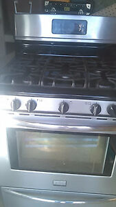 Gas stove/ oven/ range. Stainless steel.