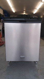 **** LAVE VAISSELLE FRIGIDAIRE GALLERY STAINLESS