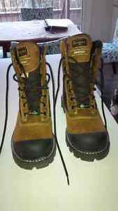 Never Worn  Royer Silver Clear Safety Boots