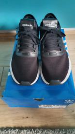 Ladies adidas black & white u_path trainers Size 8