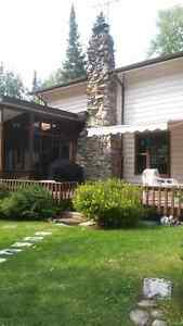 Lakefront Family Cottage