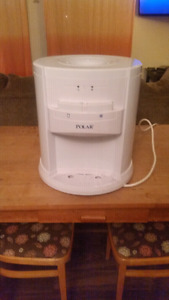 Polar water cooler. No hot setting. $60 0b0