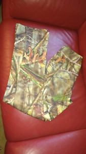 Brand New Ladies Small fleece lined camo hunting pants $30 take