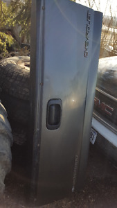 99-07 chev or gmc tailgate