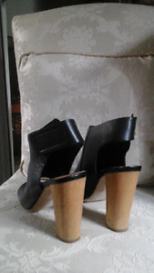Souliers $50
