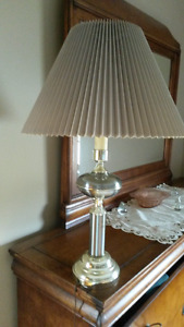2 table lamps and matching floor lamp