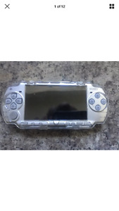 Hacked /Modded Sony PSP 32 GB memory plays Nintendo and GBA
