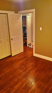 Room 4 Rent $500 Close to HERITAGE C-train Station