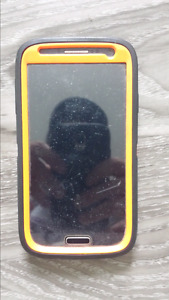 Samsung S4 with Camo Otterbox