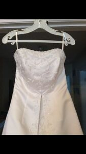 Wedding dress $200
