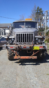 1981Russian Military Sixwheel truck with 20 to winch low km