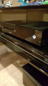 Xbox one, games and controllers