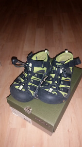 Keen Toddler size 12