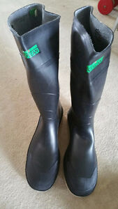 VULCAN RUBBER BOOTS STEEL TOE MADE IN CANADA