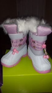 Toddler boot, Size 6, Brand new