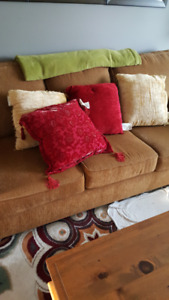 Gold/Red Throw Cushions