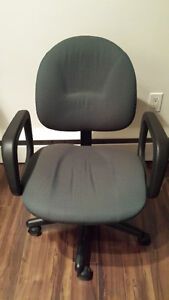 Desk chair in great condition