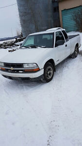 2003 Chevrolet S-10  3dr extension can Pickup Truck
