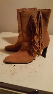 Nice  suede boots with Tassels
