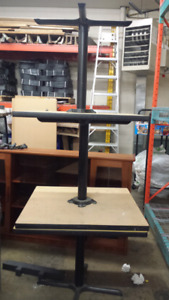1 restaurant style tables. Large and sturdy
