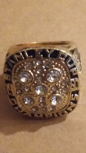 Mark Messier Replica Stanley Cup Champions Hockey ring