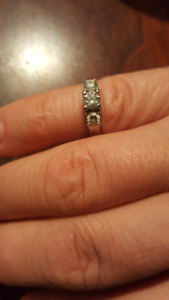 Women's 14k white gold engagement ring