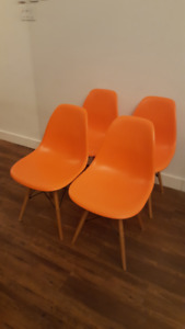 Sitting Chairs