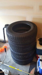 4 pneus quatre saisons/ 4 seasons tires 265/60R18