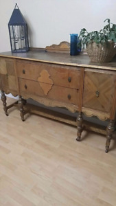 Antique Walnut Table & Buffet 400$ for all !