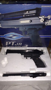 68 caliber paint ball hand. Gun mint never used new in box