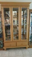 Oak display cabinet with built in lights*price negotiable*