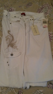 Brand New Guess Jeans sz 29!!