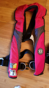 Offshore Inflatable PFD With Harness