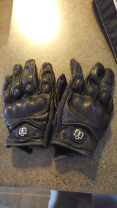 Icon leather riding gloves