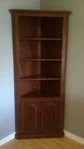 Solid Wood Corner Dsiplay Unit w/Drawers