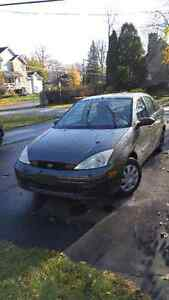 2002 Ford Focus Sedan FOR PARTS West Island Greater Montréal image 1