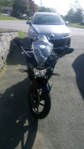 2011 CBR125R great shape 2850 km showroom condition, lady driven