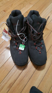Columbia Winter boots brand new with tag - Size 12