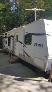 2008 Puma Trailer with bunks