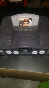 Nintendo 64 with 2 controllers and 007 golden eye