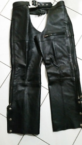 Lady' s Black leather chaps.