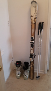 !! NEW Women's Downhill Skis, Boots, Helmet, Poles, Goggles