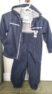 Boys  Spring / Fall. Old Navy  suit  size 4t.