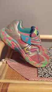 Size 3 girl sneakers