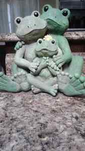 Family of frogs decor