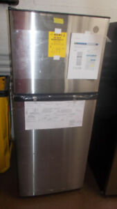 New Scratch and Dent 24 inch stainless fridge Wyse Buys