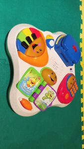 Fisher-Price Laugh & Learn Fun Musical Table Activity Center