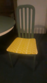 chair £20 round dining table £50