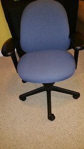 Computer/office chair e/c soft padded adjustable height